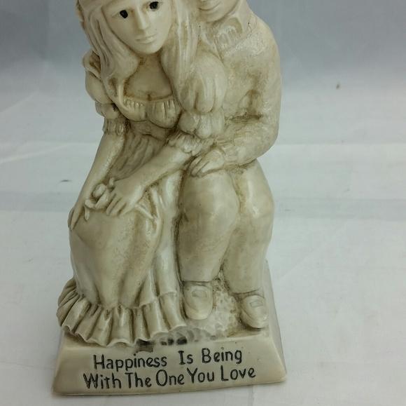 Russ Berries 1971 Figurine LOVE